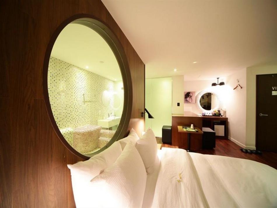 Sheel Hotel
