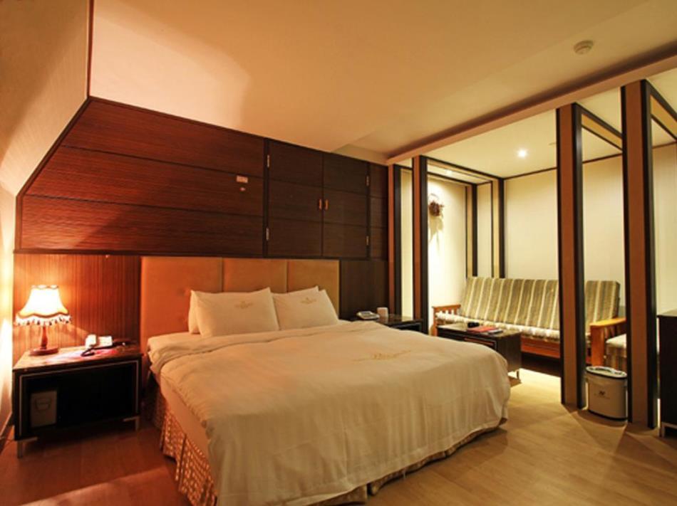 Silkroad Tourist Hotel