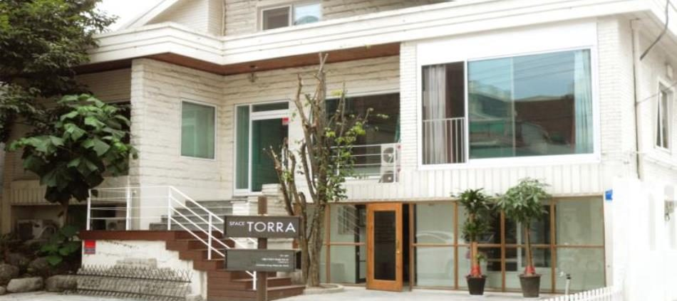 Space Torra Guesthouse