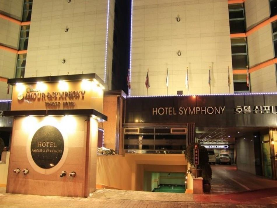 Amour & Symphony Hotel