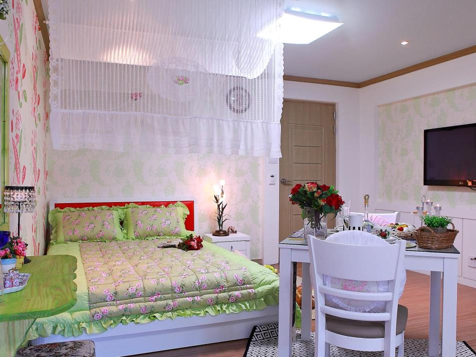Bellus Rose Pension