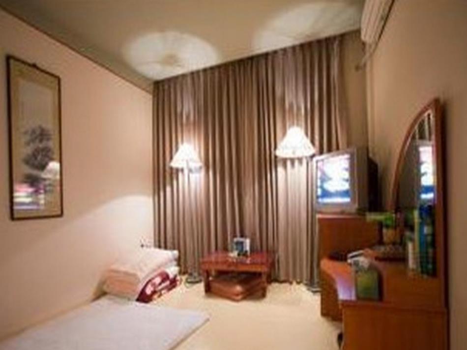 Goodstay Dove Hotel