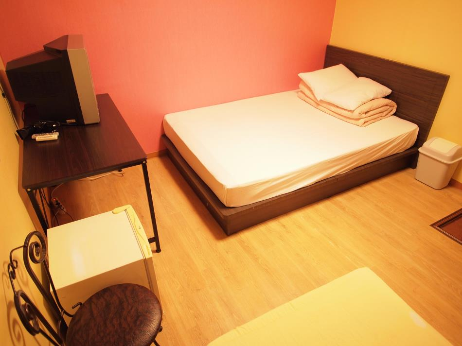 Shinchon Hostel