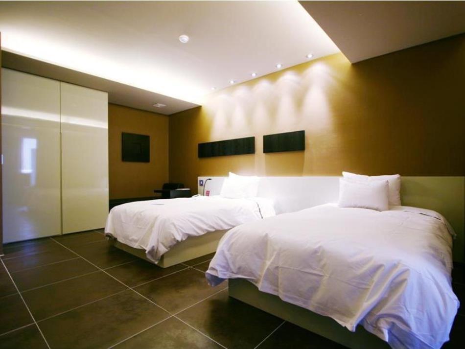 The Oscar Suite Hotel